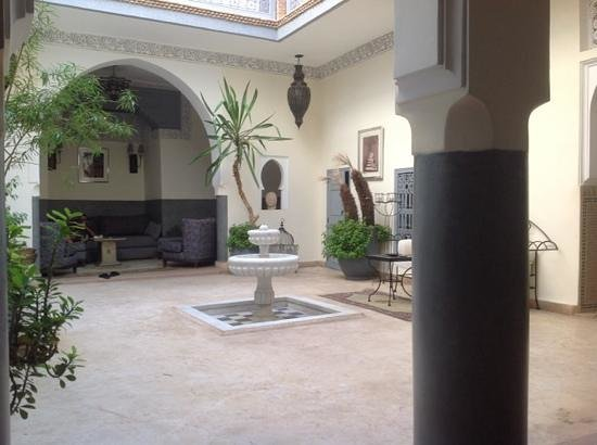 Riad Des Epices : the Riad court from the breakfast table