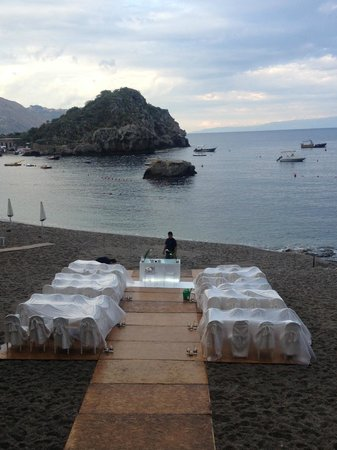 Belmond Villa Sant'Andrea : Preparativi sotto la pioggia