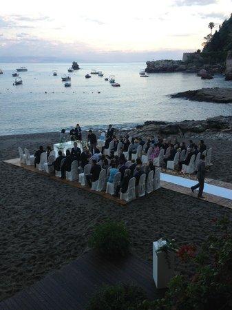 Belmond Villa Sant'Andrea : Cerimonia in spaiggia
