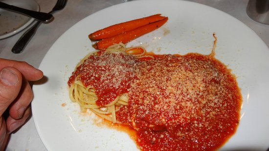 Garlic Mike's Italian Cuisine: Chicken Parmesan