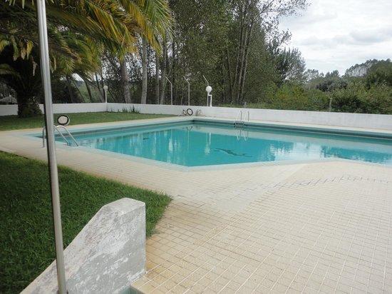 Hotel Estalagem da Pateira: piscina exterior