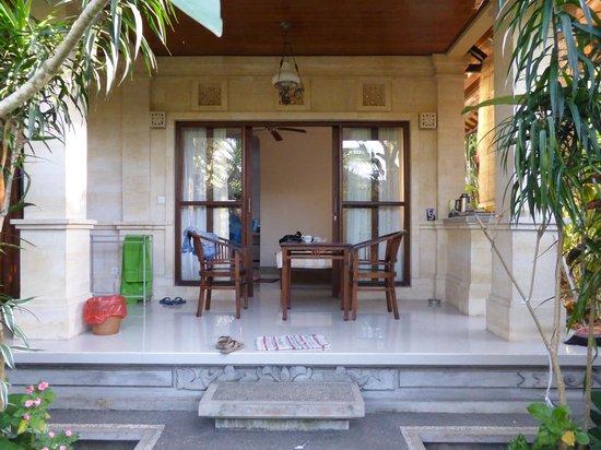 Karang Mesari Ubud Bungalow : Our porch / terrace