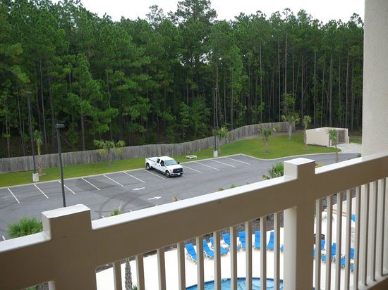 Holiday Inn Dothan: Balcony view back area of hotel