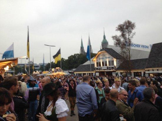 Novotel Munchen Messe: Oktoberfest