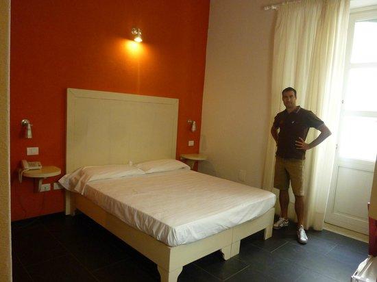 Hotel Sbarcadero : Camera arancio