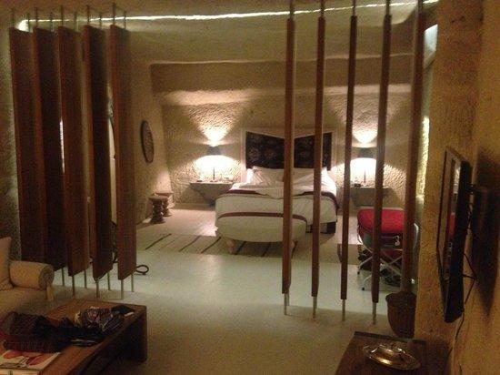 Hezen Cave Hotel: Stanza da letto