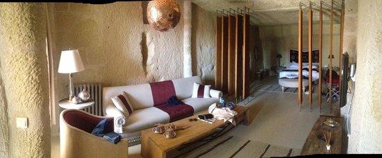 Hezen Cave Hotel: Panoramica della stanza