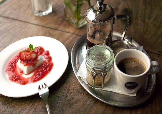Plevel Restaurant: Veggan Panna cotta, Plevel