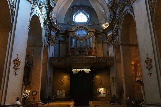 Basílica de San Miguel: The lovely organ.