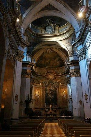 Basílica de San Miguel: The single nave.