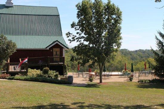 Botham Vineyards & Winery: Barneveld, Botham Winery, Outdoor Terrace - Seating