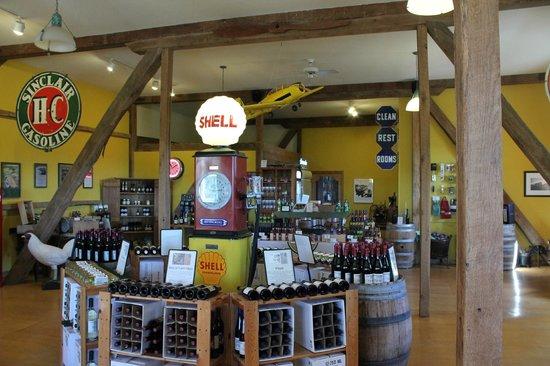 Botham Vineyards & Winery: Barneveld, Botham Winery, Gift Shop