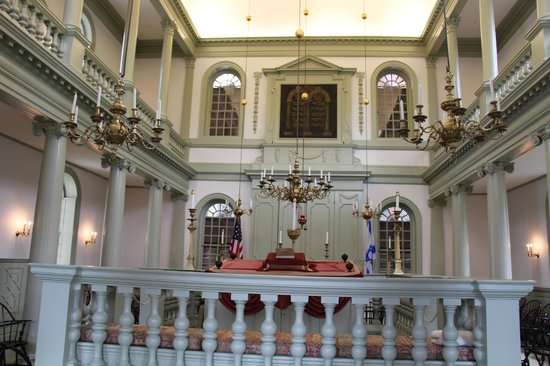 Touro Synagogue: Inside the synagogue