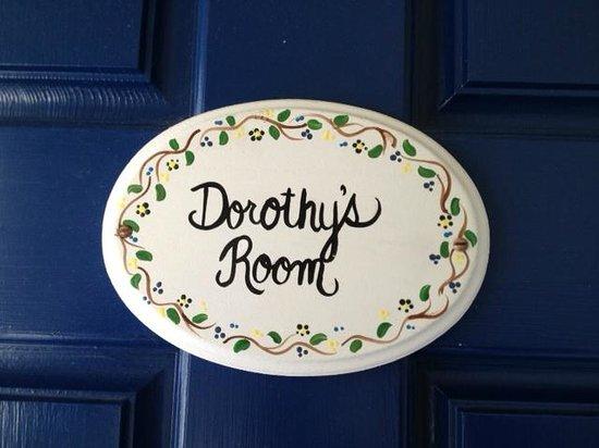 Elsa's Inn On The Harbor: Dorothy's Room on the Porch