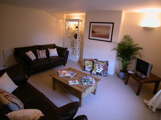 Abbey House Apartment Hotel: Lounge 2 Bed Apartment