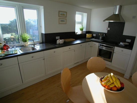 Abbey House Apartment Hotel: Kitchen 2 Bed Apartment