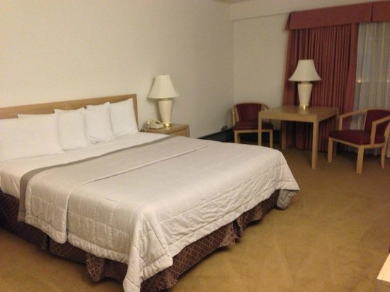 Red Coach Motor Lodge: Riesige Zimmer