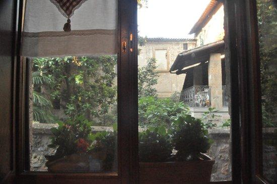 B&B Michelangeli : View from kitchen window