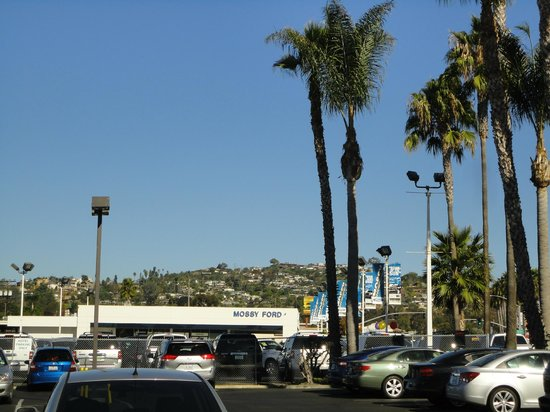 Holiday Inn Express San Diego Sea World - Beach Area: View from front of hotel parking lot