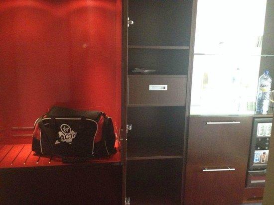 WestCord Fashion Hotel Amsterdam: Room