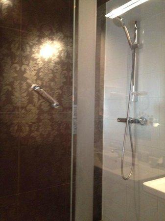 WestCord Fashion Hotel Amsterdam: Shower