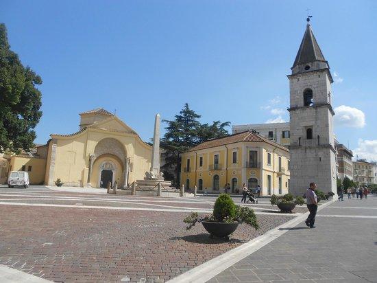 Chiesa di Santa Sofia : la chiesa con il campanile