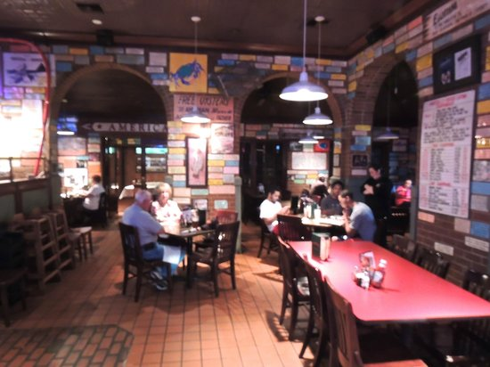 Wintzell's Oyster House: Dining Area