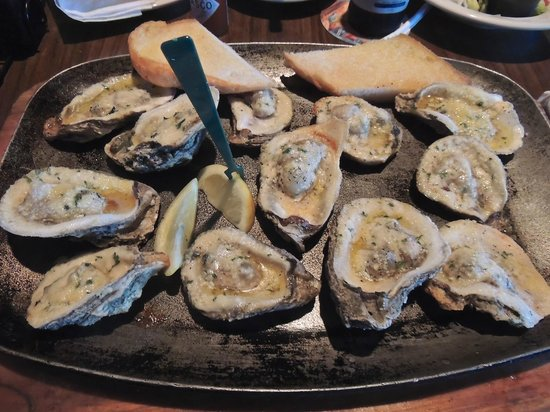 Wintzell's Oyster House : Chargrilled Oysters