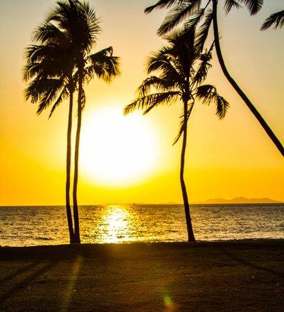 Sheraton Fiji Resort: Sunset4