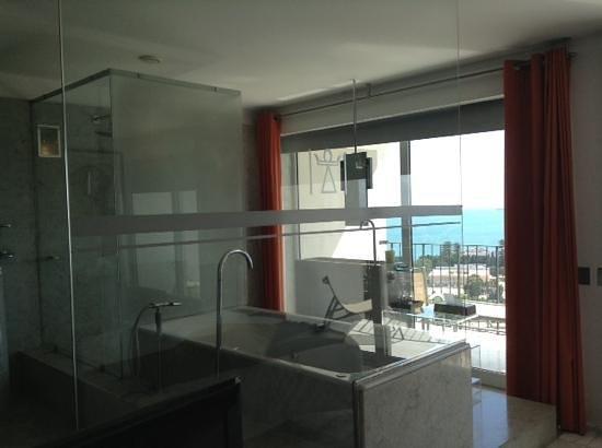 Villa Didon : Prendre sa douche face à la mer, on aime... ou pas !