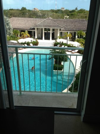 West Bay Club: pool VIEW from 305