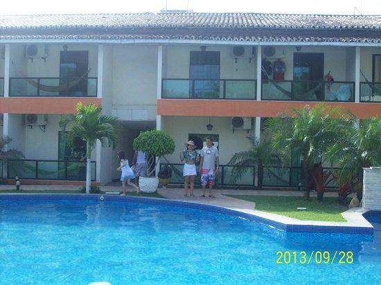 Hotel Beach Hills : Área de piscina e recreativa