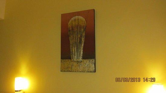 Hotel Ibis Yogyakarta Malioboro : Painting in room