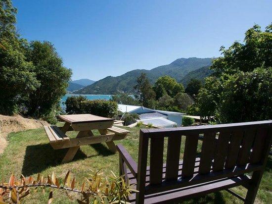 Anakiwa 401: Additional alfresco Dining/Relaxing Terrace