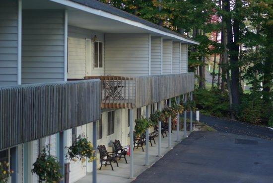 Bayside Inn & Marina: The back of the motel