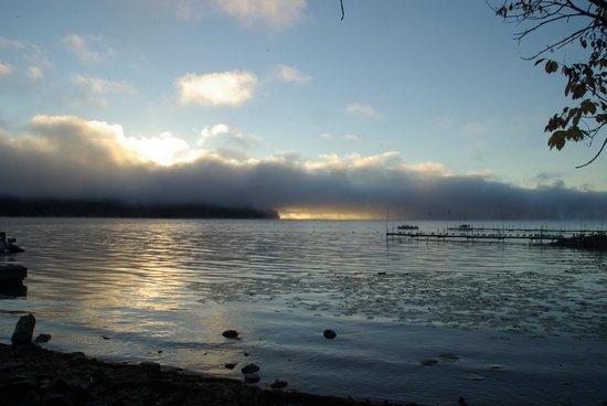 Bayside Inn & Marina : Sunrise from the beach area