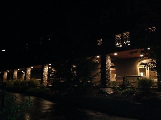 Belton Chalet: the Chalet at night ... charming ...do you see the friendly ghost?