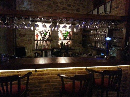 Karaf Bistro : karaf bar
