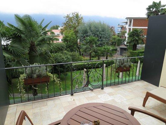 Remorino Hotel-Garni: Blick vom Zimmer in den Garten