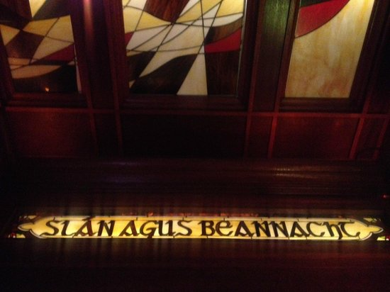 Connolly's Pub & Restaurant: Windows on the way out