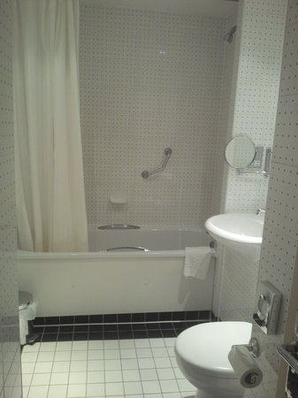 Bathroom (very black and white!)