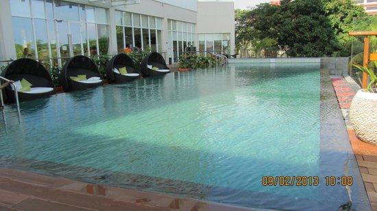 inviting swimming pool picture of harris hotel batam center batam center tripadvisor