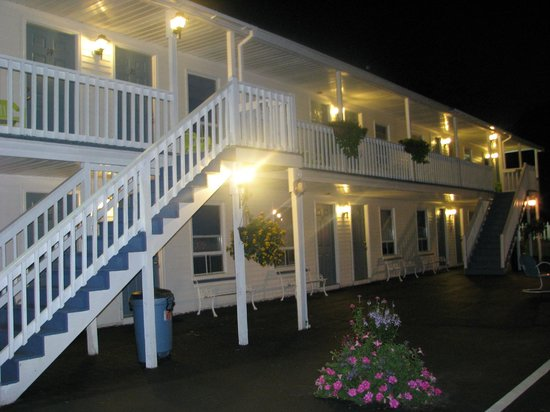 Seacoast Motel: Hotel grounds