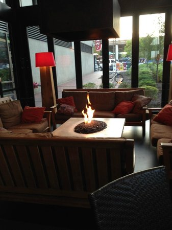 Kona Grill - Baltimore: fireplace in patio area