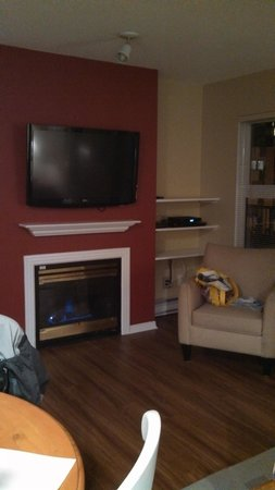 Times Square Suites Hotel: Living Room