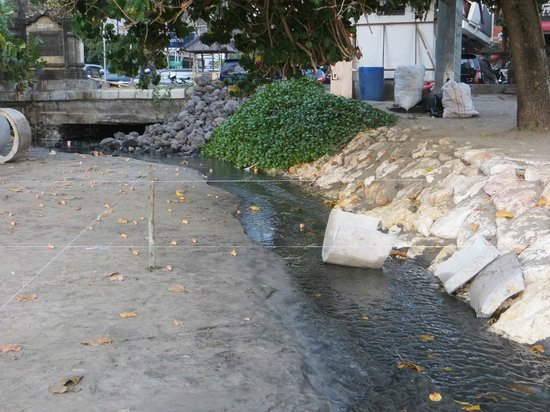 Sewerage going to the ocean, Double Six Beach