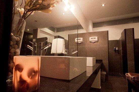 Nova Skin - Chacarilla: restrooms