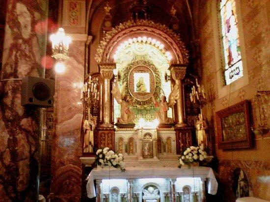 Salta, Argentina: Altar con imagen de la Virgen del Perpetuo Socorro