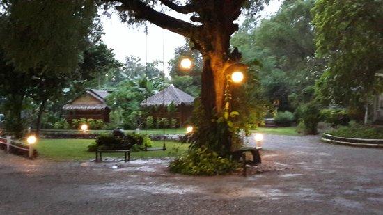 Hadsaisuay Resort: Hotel grounds