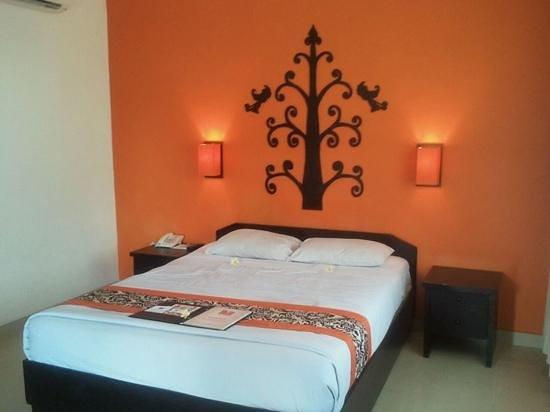 Dewi Sri Hotel : Rm 204 - Superior (Second Floor)